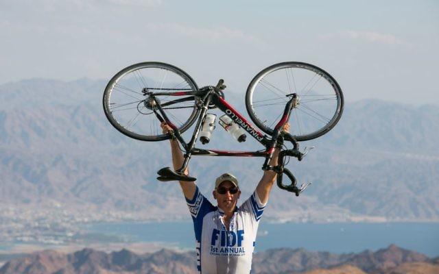 Jorde Nathan d'Highland Park, devant la descente vers Eilat (Crédit : FIDF)