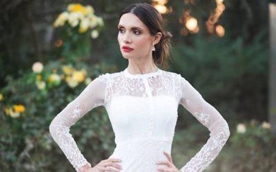 Maria Barlin dans une robe de mariée (Facebook)
