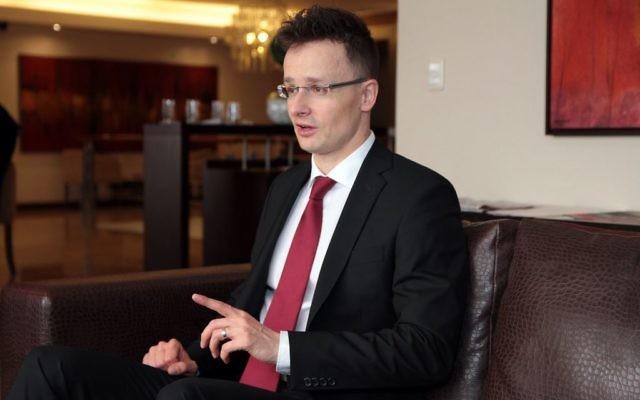 Péter Szijjártó (Crédit : Wikipédia)