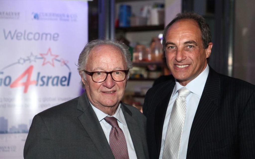 Roger (g) et Edouard Cukierman à la conférence Go4Israel le 26 octobre 2015 (Crédit : autorisation)