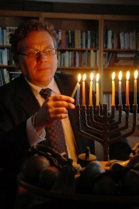 Larry Gillman, président de la synagogue Beth Israel, Peterborough, Ontario, Canada (Crédit : autorisation)