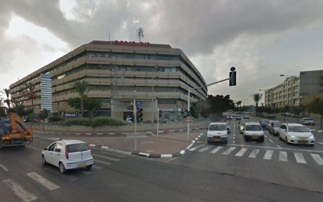 L'immeuble Panorama à Tel Aviv. (Crédit : Capture d'écran Google Street View)