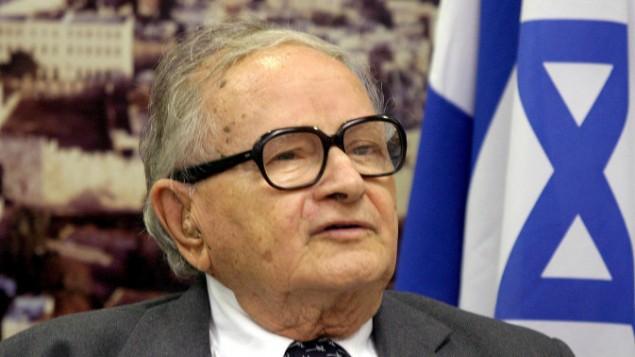 Rafi Eitan, l'homme qui a géré Pollard et qui est devenu plus tard un ministre du gouvernement, le 6 septembre 2006 (Crédit : Orel Cohen / flash 90)
