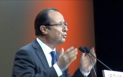 François Hollande, alors candidat du Parti socialiste et du Parti radical de gauche pour l'élection présidentielle de 2012, au meeting socialiste de Besançon du 10 avril 2012. (Crédit : Wikimedia commons/CC.BY SA 3.0)
