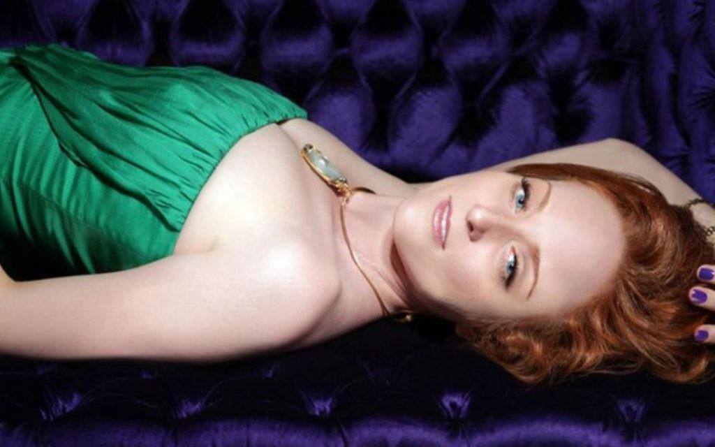 La chanteuse Antonia Bennett, fille du crooner Tony Bennett, s'est convertie au judaïsme avant d'épouser son mari israélien. (Crédit : courtoisie)