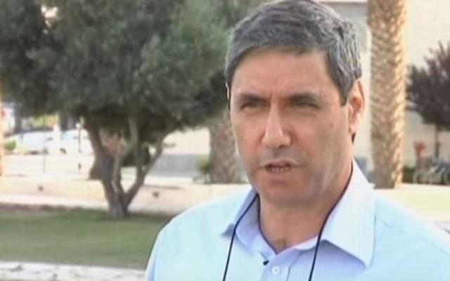 Le maire d'Afula Yitzhak Meron  (Capture d'écran: YouTube / NEWSROOMNORTH1)