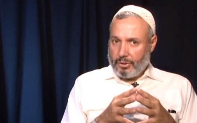Omer Salem, professeur et promoteur de la coexistence entre Juifs et Arabes de l'université de Yale (Crédit : YouTube / OnepeopleOneworldmed)