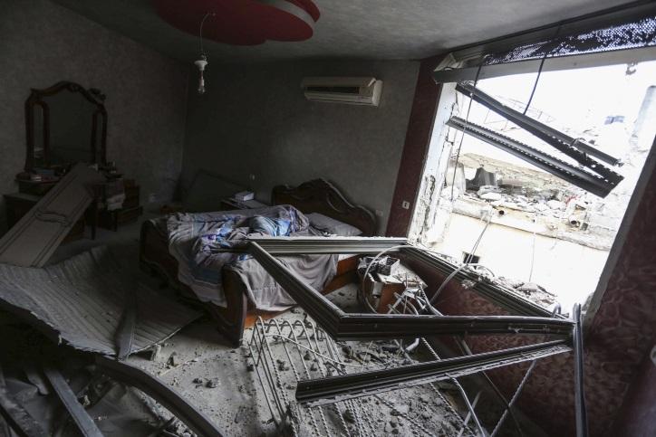 La maison de Mohammed Abu Shahin, démolir par les troupes israéliennes dans le camp de réfugiés de Qalandiya, près de Ramallah, le 16 novembre, 2015. Shahin a été accusé d'avoir tué un randonneur israélien en juin 2015 (Crédit :  Flash90)
