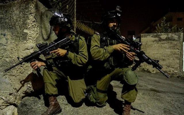 Des soldats de la brigade régionale Etzion lors d'une opération en Cisjordanie, le 7 octobre 2015 (Tsahal)
