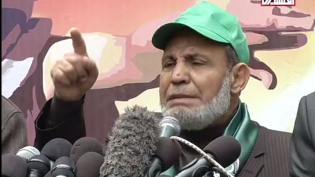 Mahmoud al-Zahar pendant un rassemblement à Gaza, le 14 décembre 2015. (Crédit : capture d'écran YouTube)
