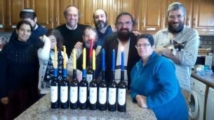 Allumage des bougies de Hanoukka à Belmonte, au Portugal, en décembre 2015. Illustration. (Crédit : autorisation)