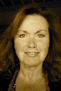 L'écrivain Wendy Holden (Crédit : courtoisie)