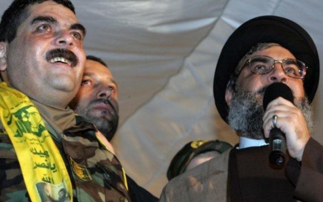 Le dirigeant libanais du Hezbollah, Hassan Nasrallah (droite) aux côtés de Samir Kuntar (gauche), à Beyrouth, le 16 juillet 2008. (Crédit : Mussa al-Husseini/AFP)