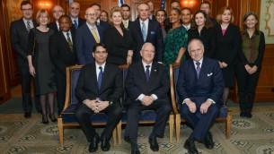 Danny Danon, Reuven Rivlin et Ronald Lauder avec les ambassadeurs. (Crédit : Shahar Azran)