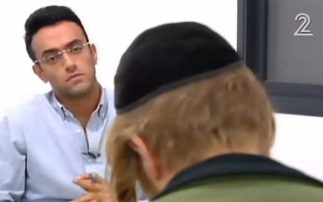 Un suspect de l'attaque terroriste à Duma interviewé par la Deuxième chaîne (Crédit : capture d'écran Channel 2)