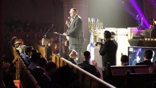 Nachum Segal au concert à la synagogue de la Victoire dédié aux victimes des attentats de l'Hyper Cacher de Vincennes, le 9 janvier dernier - 9 décembre 201( (Crédit : Eva Tapiero/Times of Israel)