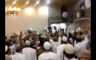 Des extrémistes juifs israéliens célébrant les meurtres de membres de la famille Dawabsha pendant un mariage (Capture d'écran Dixième chaîne)