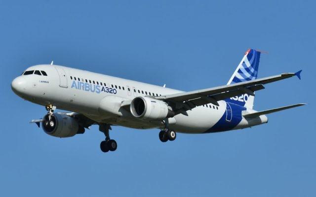 Un Airbus A320-200 (Crédit : Wikicommons, Laurent ERRERA, CC)
