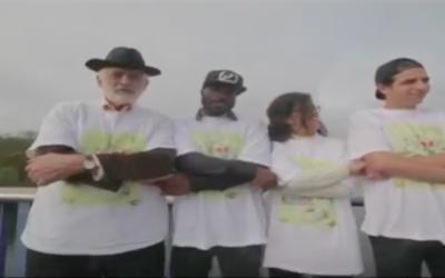 Capture d'écran du clip vidéo de coco KT et AJM (Crédit : YouTube)