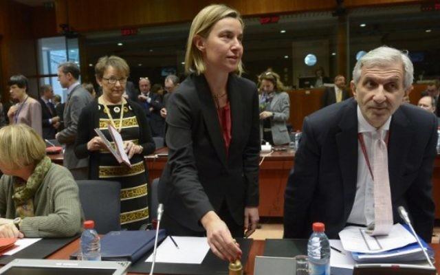 La responsable de la diplomatie de l'UE, Federica Mogherini, pendant un conseil des ministres des Affaires étrangères de l'UE à Bruxelles, le 18 janvier 2016. (Crédit : AFP / JOHN THYS)