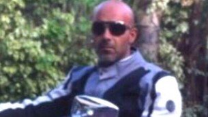 Ayman Shaaban, un chauffeur de taxi de 42 ans originaire de Lod qui a été assassiné à Tel Aviv vendredi dans des circonstances peu claires (Crédit : Deuxième chaîne / capture d'écran)