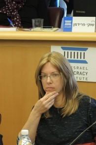 Tzipora Gutman, directrice d'un centre pour jeunes filles en difficulté et experte en politique éducative, dit que les femmes ultra-orthodoxes commencent à remettre en question leurs rôles traditionnels dans la famille (Photo: Melanie Lidman / Times of Israel)