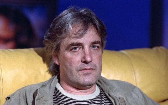 Andrzej Zulawski en 1988 à Paris (Crédit : AFP / GEORGES BENDRIHEM)