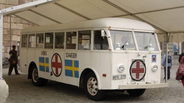Un des bus blancs originaux en 2008. (Crédit : CC-BY-SA/Janwikifoto/ via wikipedia)