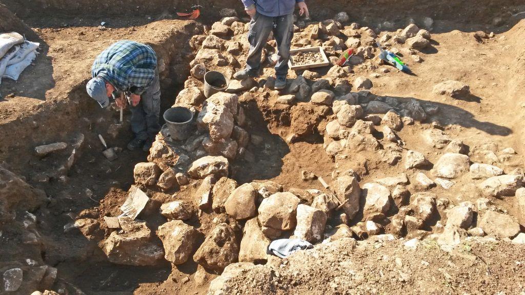 Les fouilles archéologiques dans le quartier de Shuafat, au nord de Jérusalem (Crédit : Israel Antiquities Authority)