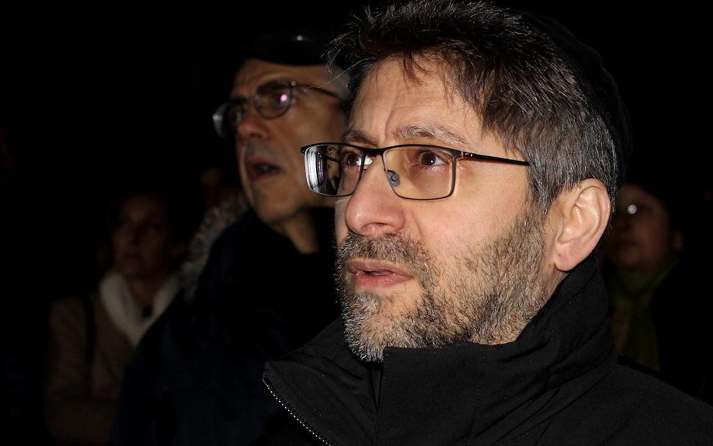 Le grand rabbin de France, Haïm Korsia, lors de la commémoration du 11 février dans le jardin Ilan-Halimi (Crédit : Times of Israël Staff/Glenn Cloarec)