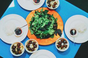 Au Daluva, le bún chả — un plat traditionnel vietnamien à base de vermicelles et porc grillé — est fait avec du fallafel. (Autorisation)