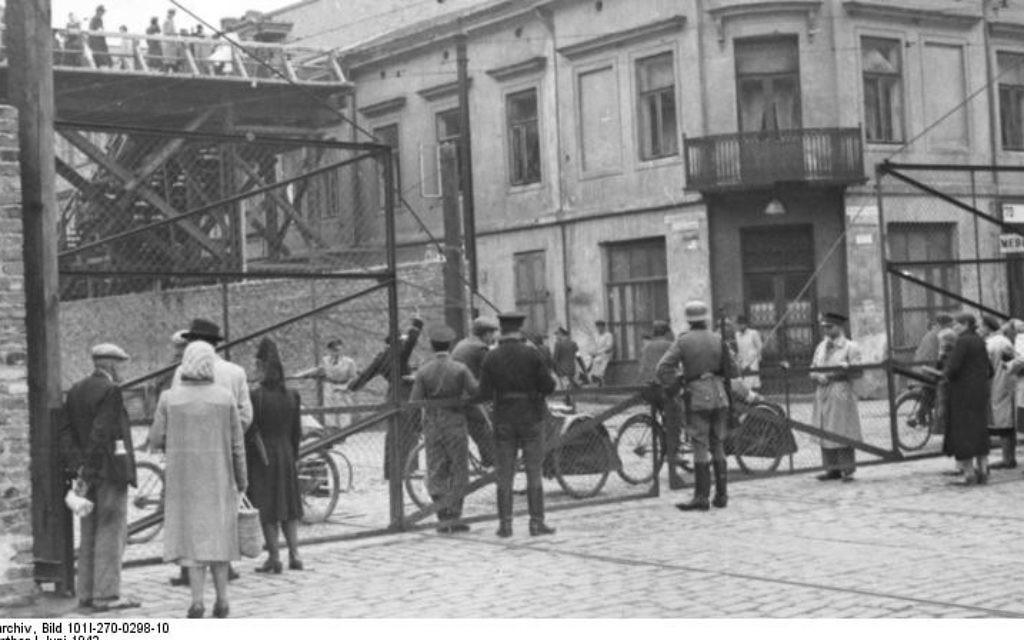 Le ghetto de Varsovie en 1942 (Crédit : Bundesarchiv, Bild 101I-270-0298-10/Amthor/CC-BY-SA)