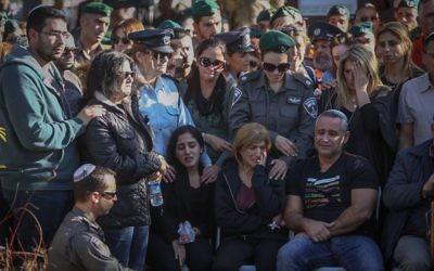 Funérailles de Hadar Cohen, le 4 février 2016 (Crédit : Yonatan Sindel/Flash90