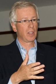 Le ministre canadien des Affaires étrangères, Stéphane Dion (Crédit : CC BY 2.0 Chris Slothouber / Wikipedia)