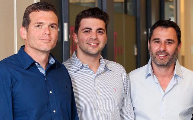 (De gauche à droite) les fondateurs de Team8 : Nadav Zafrir, Liran Grinberg, et Israel Grimberg, (Crédit : Autorisation)