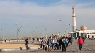 Promenade du port de Tel Aviv. (Crédit : Shmuel Bar-Am)