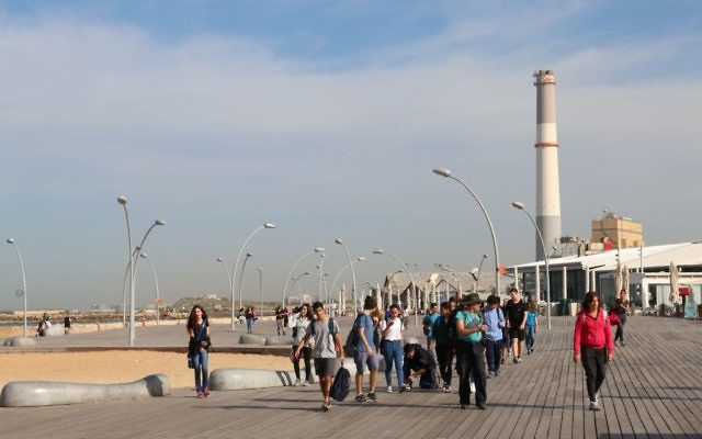 La promenade du port de Tel Aviv. Illustration. (Crédit : Shmuel Bar-Am)