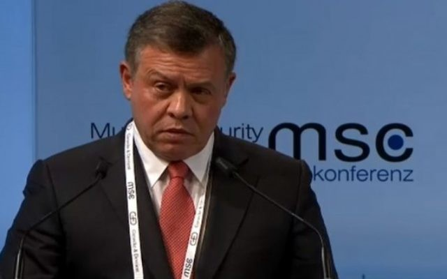 Le roi Abdallah de Jordanie à la conférence sur la sécurité de Munich, en Allemagne, le 12 février 2016. (Crédit : capture d'écran)