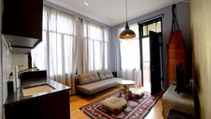 Des chambres meublées et conçues de façon éclectique à l'Eclectic Hotel de Tel Aviv , qui dispose aussi de chambres de style auberge (Autorisation Eclectic Hotel)
