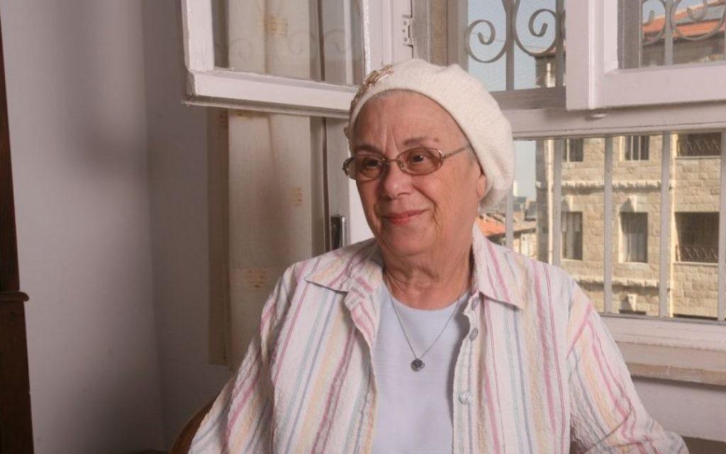 Libby Kahane, l'épouse du rabbin extrémiste assassiné Meir Kahane, a maintenant un petit-fils en prison pour direction d'un groupe extrémiste. (Crédit : autorisation de Libby Kahane)