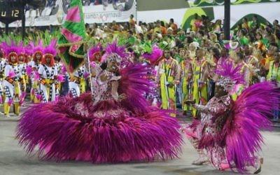 Une représentation de l'école de samba Mangueira à Rio. (Crédit : Riotur)
