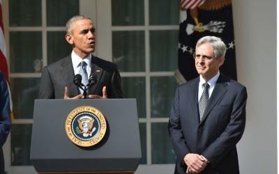 Barack Obama nomme Merrick Garland, un progressiste modéré à la Cour suprême, le 16 mars 2016 (Crédit : AFP / Nicholas Kamm)