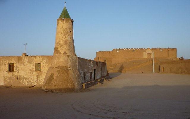 La forteresse et la mosquée du district de Murzuq dans la province du Fezzan, au sud de la Libye (Crédit : Franzfoto/CC-BY-SA-3.0)