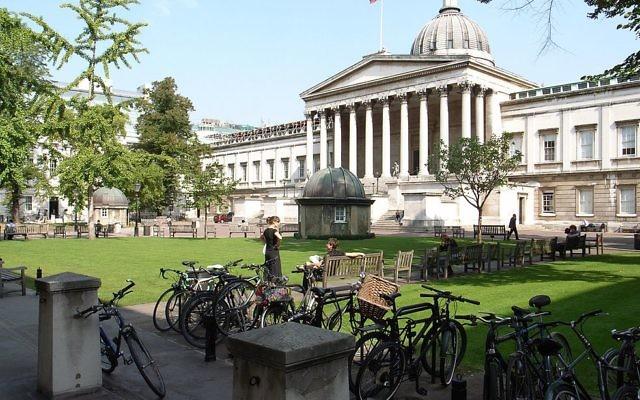 Le bâtiment Wilkins de l'University College London, sur Gower Street, Bloomsbury, Londres, Angleterre, en septembre 2006 (Crédit : Steve Cadman from London, U.K./CC-BY-SA-2.0)