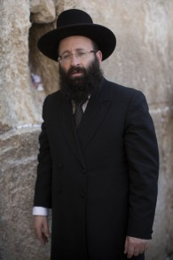 Shmuel Rabinowitz, le rabbin du mur Occidental, le 20 juin 2013. (Crédit : Yonatan Sindel/Flash90)