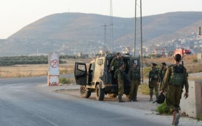 Soldats patrouillant près de Naplouse. Illustration. (Crédit : unité des portes-paroles de l'armée israélienne/Flash90)