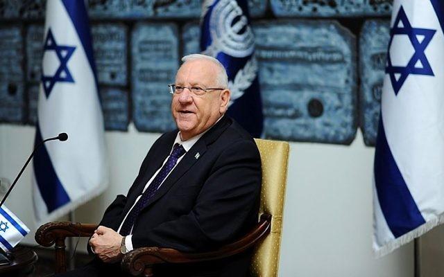 Le président Reuven Rivlin à la résidence présidentielle de Jérusalem, le 10 février 2016. (Crédit : Mendy Hechtman/Flash90)