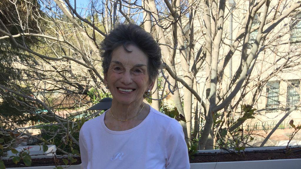 Renee Rabinowitz, 81 ans, qui poursuit El Al pour discrimination religieuse (Crédit : Jessica Steinberg)