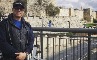 Jean-Claude Van Damme à Jérusalem, le 29 mars 2016. (Crédit : Facebook via JTA)