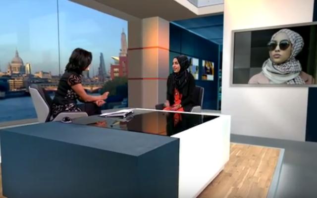 Maria Idrissi, la mannequin voilée qui a posé pour H&M lors d'une interview sur ITV (Crédit : Capture d'écran YouTube)